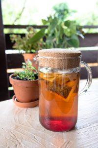 Sun tea, solar iced tea, té trio